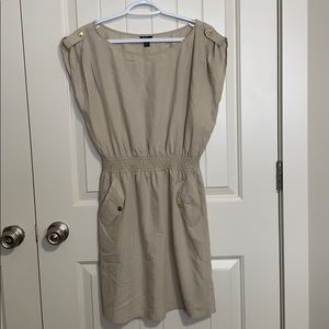 Guess. Mini above knee dress. Large. Pockets.